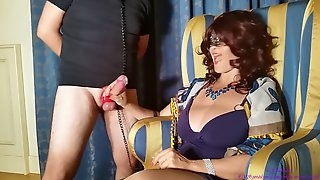 Huge cumshots for a sexy lady